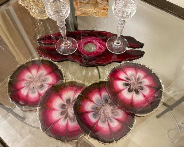 Wine glass holder with set of 4 coasters